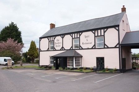 SOLD: THE POACHERS POCKET HOTEL & RESTAURANT, NR TIVERTON, DEVON