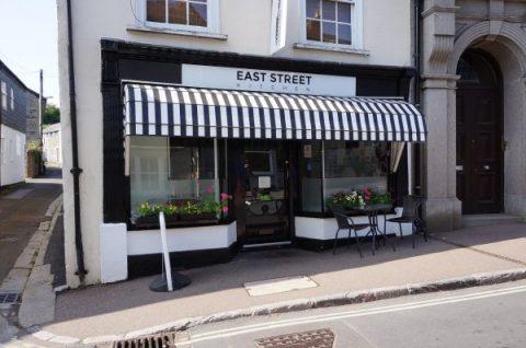SOLD: East Street Kitchen, Ashburton, Devon